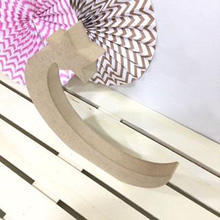 luna de madera dm con una estrella para decorar manualidades scrapooking santa coloma de gramenet barcelona perfil