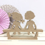 figura-nenes-sentados-madera-dm-para-decorar-cute-and-crafts-santa-coloma-de-gramenet-barcelona-scrapbooking-manualidades