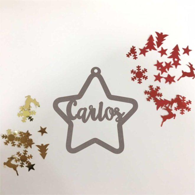 Bola de navidad de madera personalizada. Modelo estrella